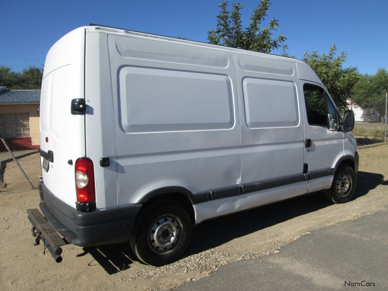 2006 Nissan Interstar #16