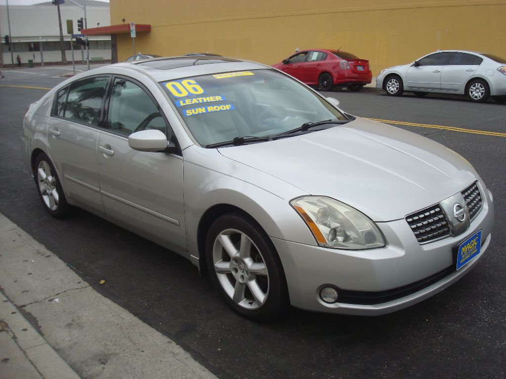 2006 Nissan Maxima Photos, Informations, Articles - BestCarMag.com