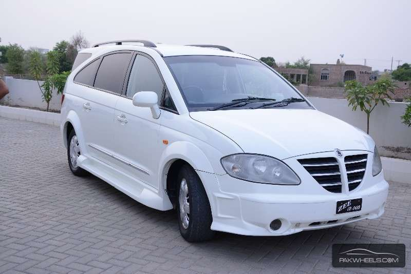 2006 Ssangyong Stavic #15