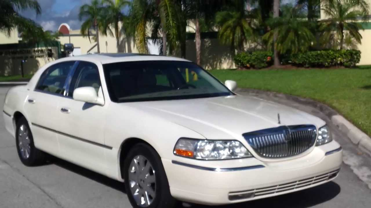 2007 Lincoln Town Car Photos Informations Articles 1991 Signature Series Fuse Box 16