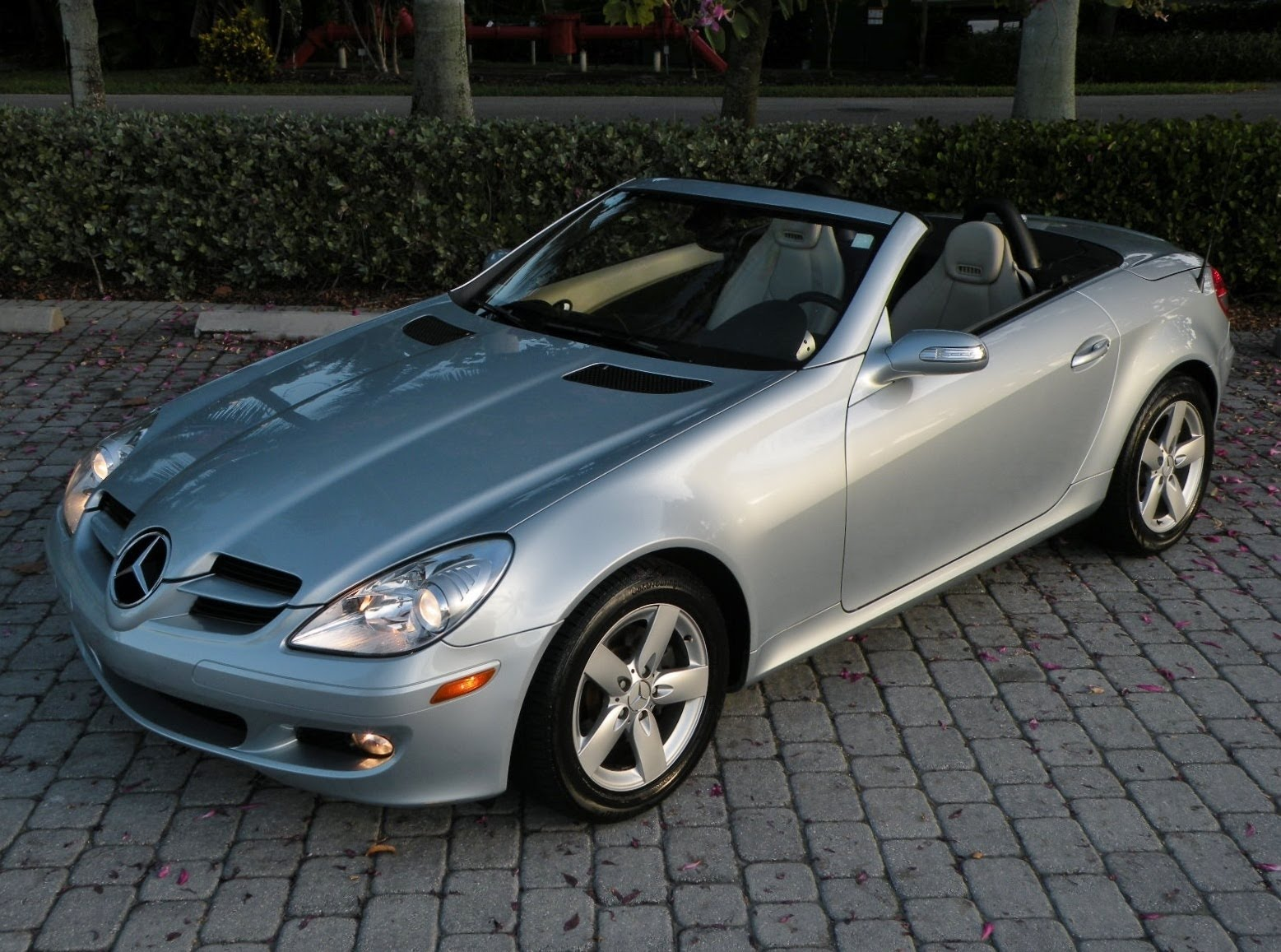 2007 mercedes benz slk class photos informations