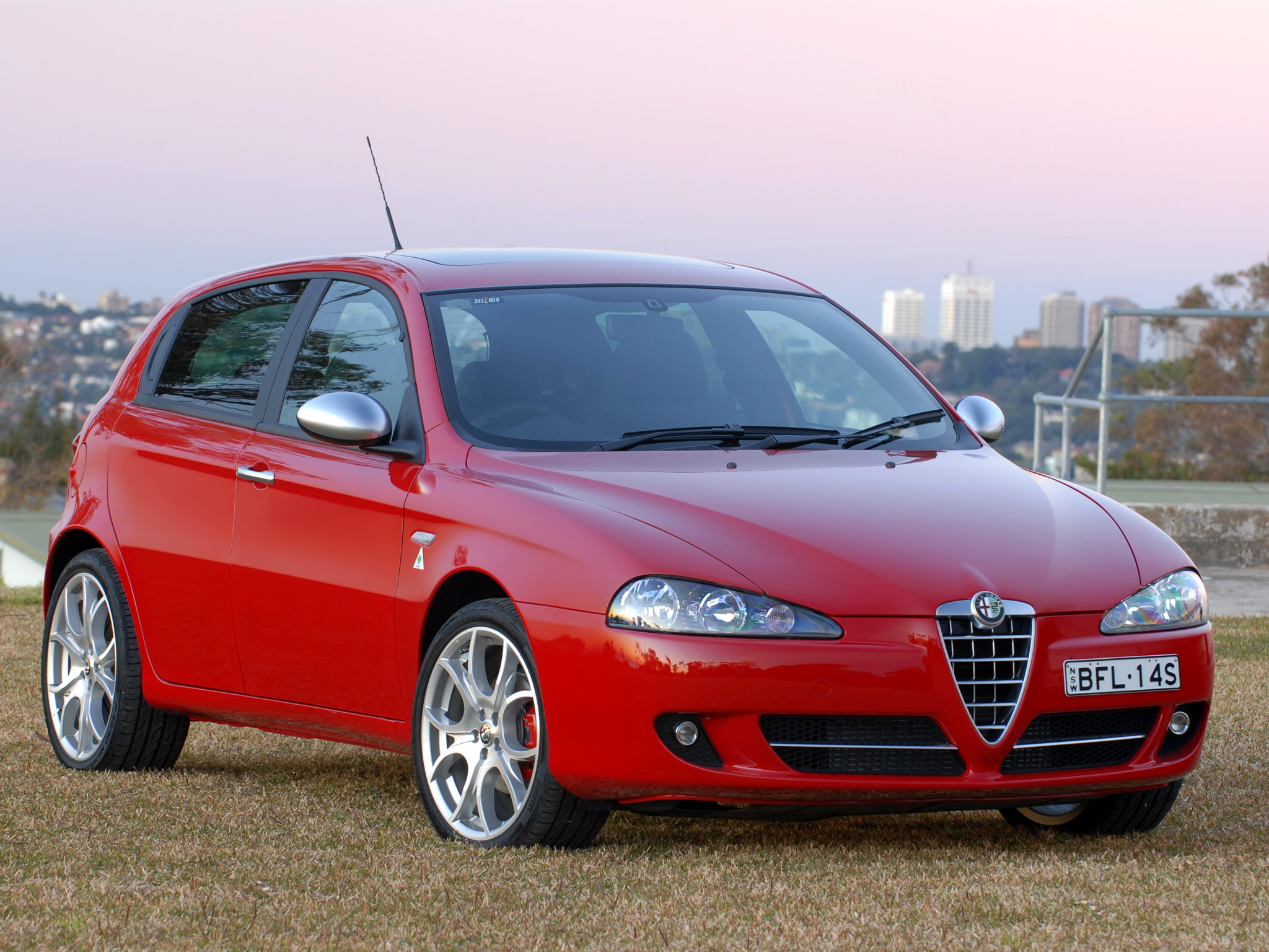 2008 alfa romeo 147 photos informations articles. Black Bedroom Furniture Sets. Home Design Ideas