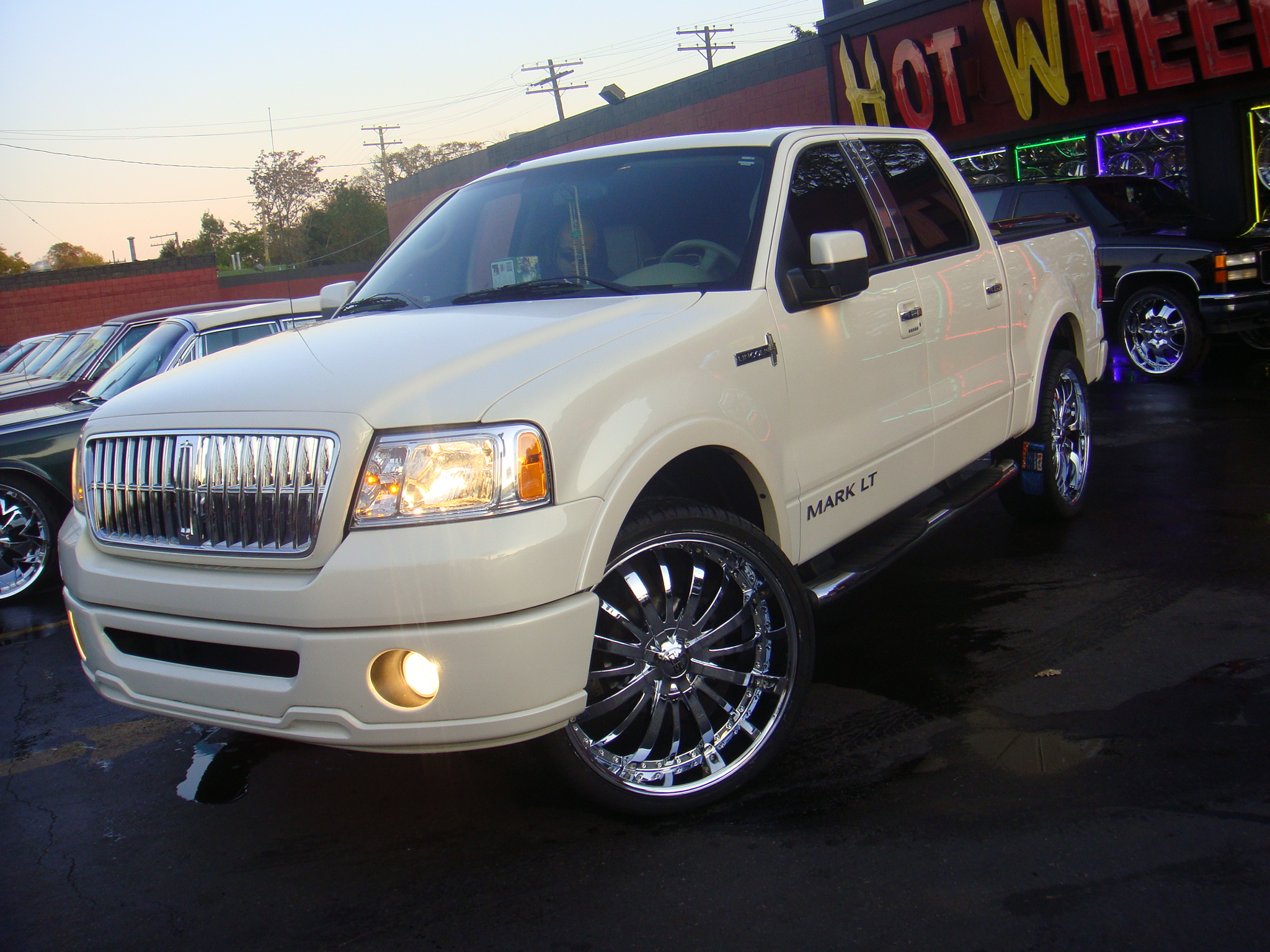 2008 Lincoln Mark Lt Photos Informations Articles Bestcarmag Com