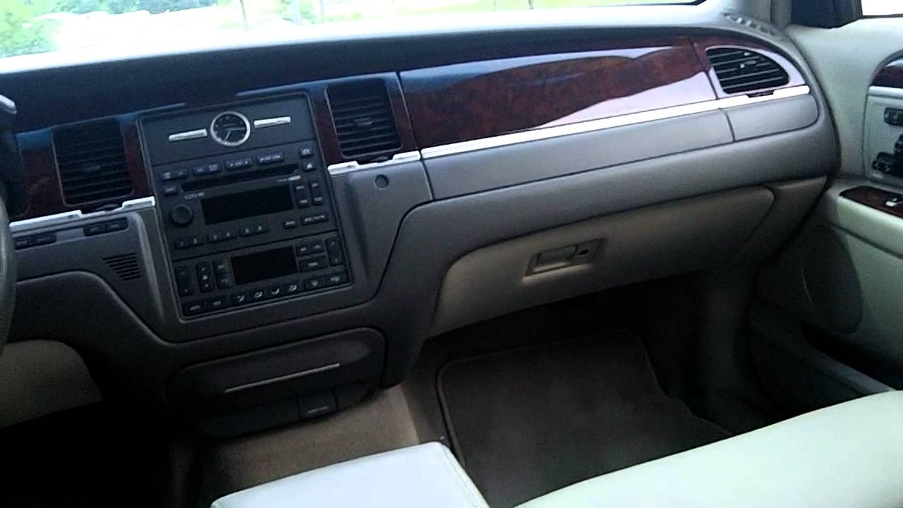 2008 Lincoln Town Car Photos Informations Articles Bestcarmag Com