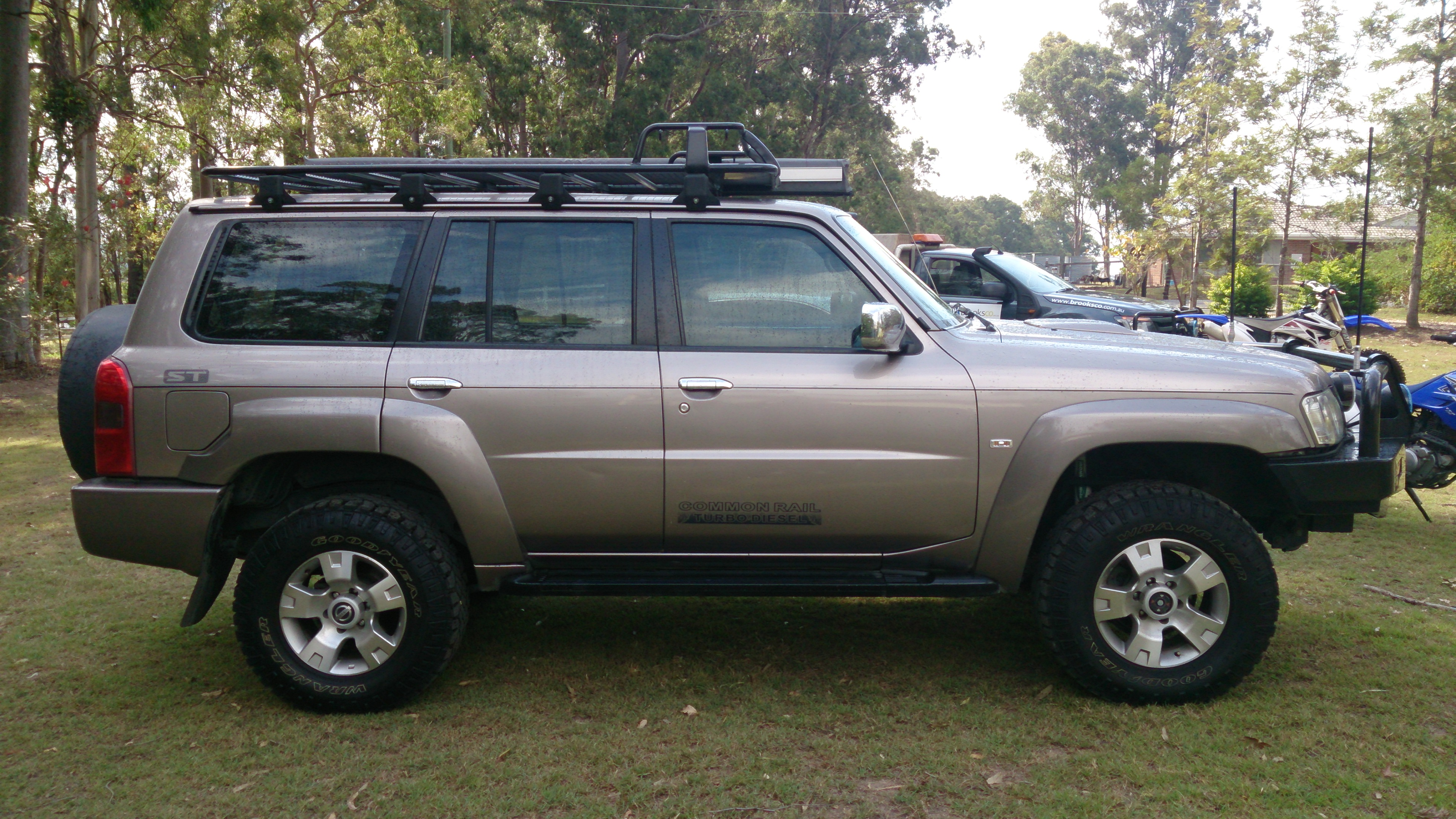 2008 nissan patrol photos informations articles. Black Bedroom Furniture Sets. Home Design Ideas