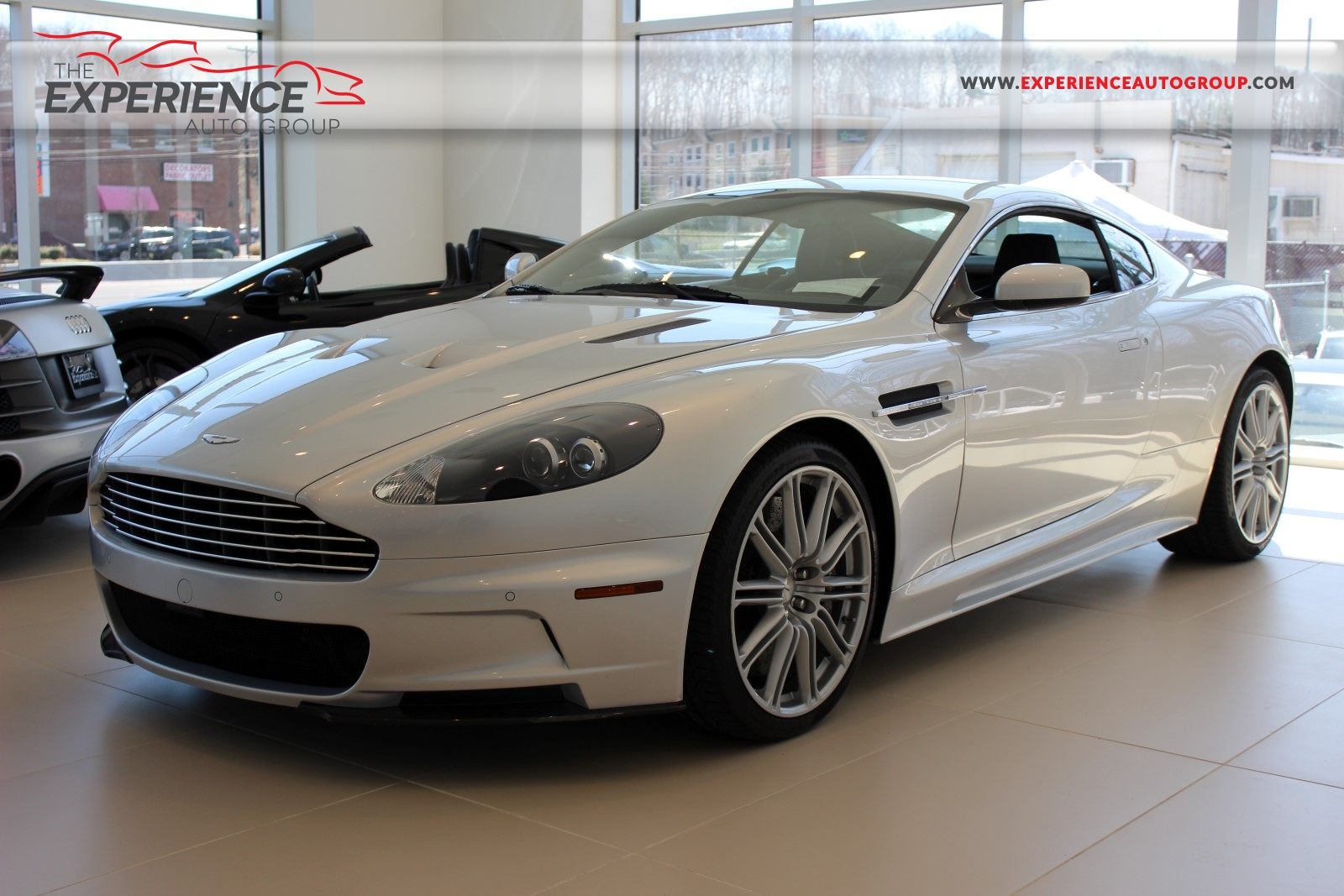 2009 aston martin dbs photos informations articles. Black Bedroom Furniture Sets. Home Design Ideas