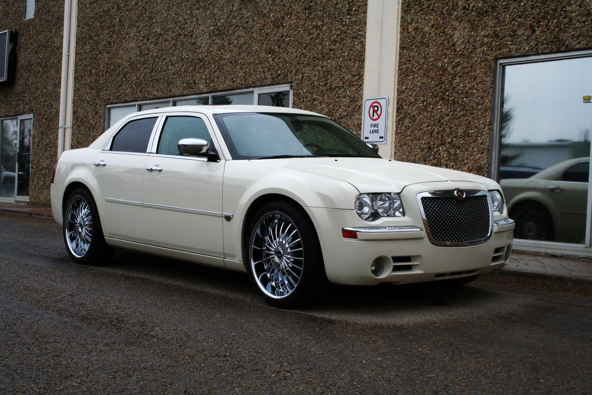 2009 Chrysler 300 #17