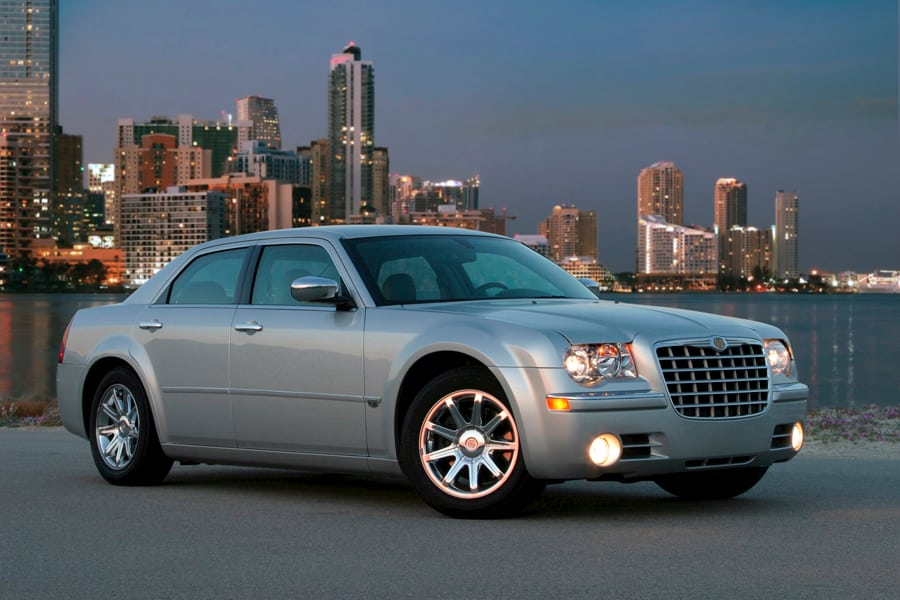 2009 Chrysler 300 #16