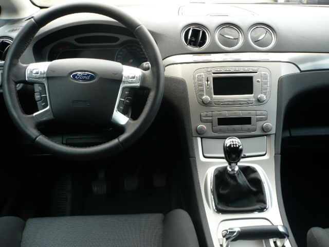 2009 Ford S-Max #23
