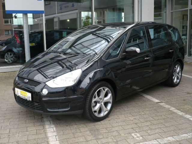 2009 Ford S-Max #20