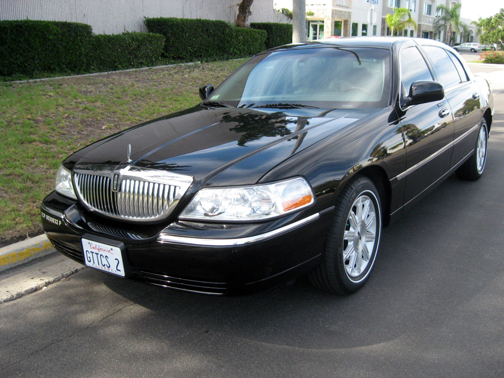 2009 Lincoln Town Car Photos Informations Articles Bestcarmag Com