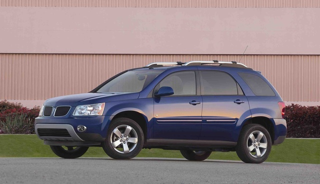 2009 Pontiac Torrent #16