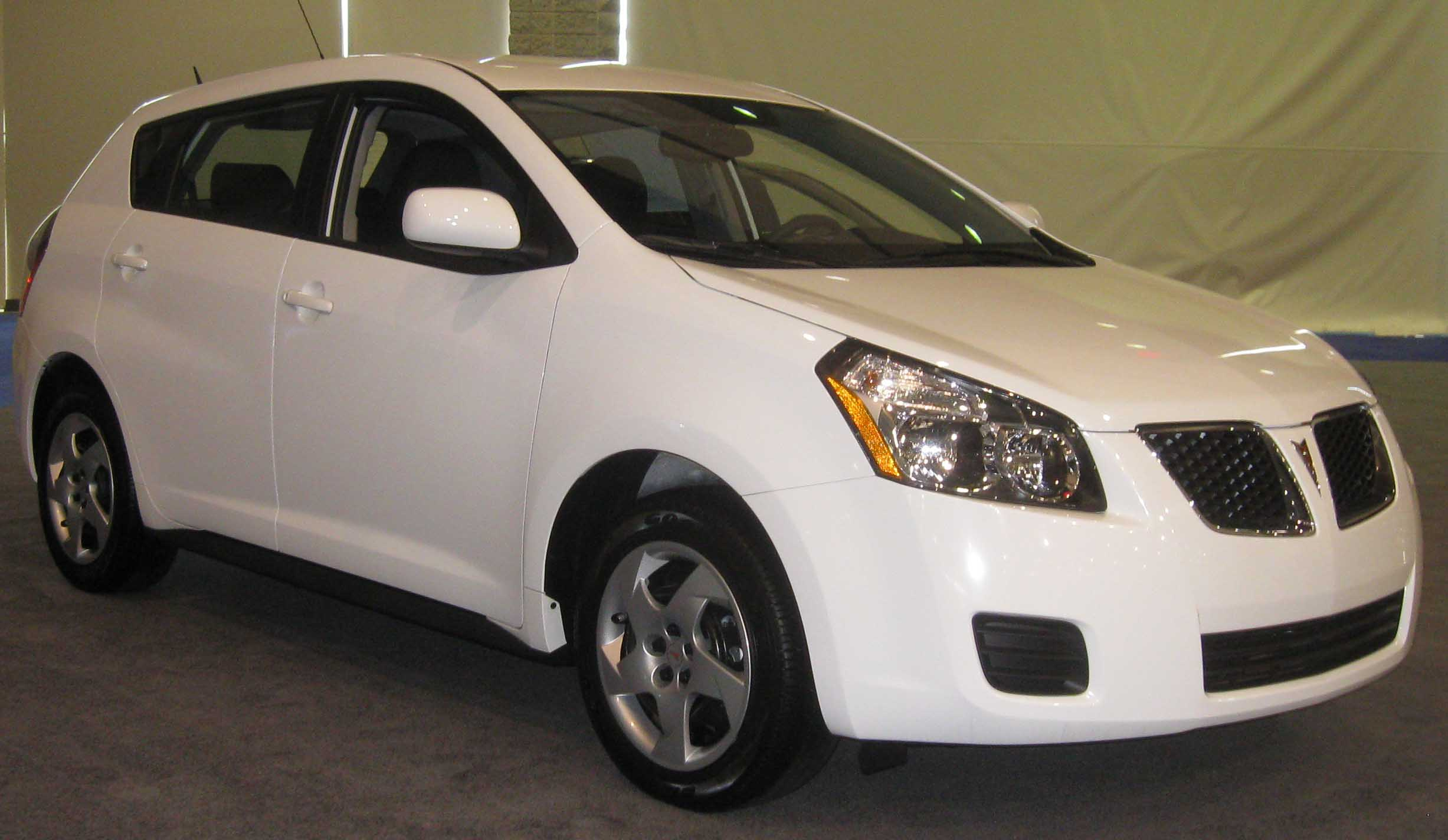 2009 pontiac vibe photos informations articles. Black Bedroom Furniture Sets. Home Design Ideas