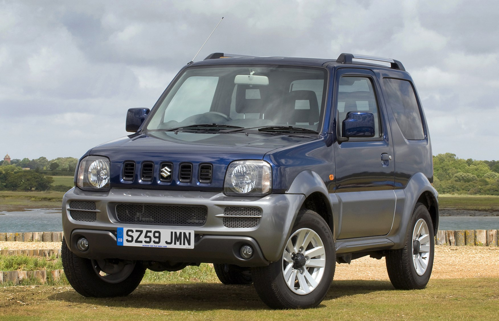 2009 suzuki jimny photos informations articles. Black Bedroom Furniture Sets. Home Design Ideas