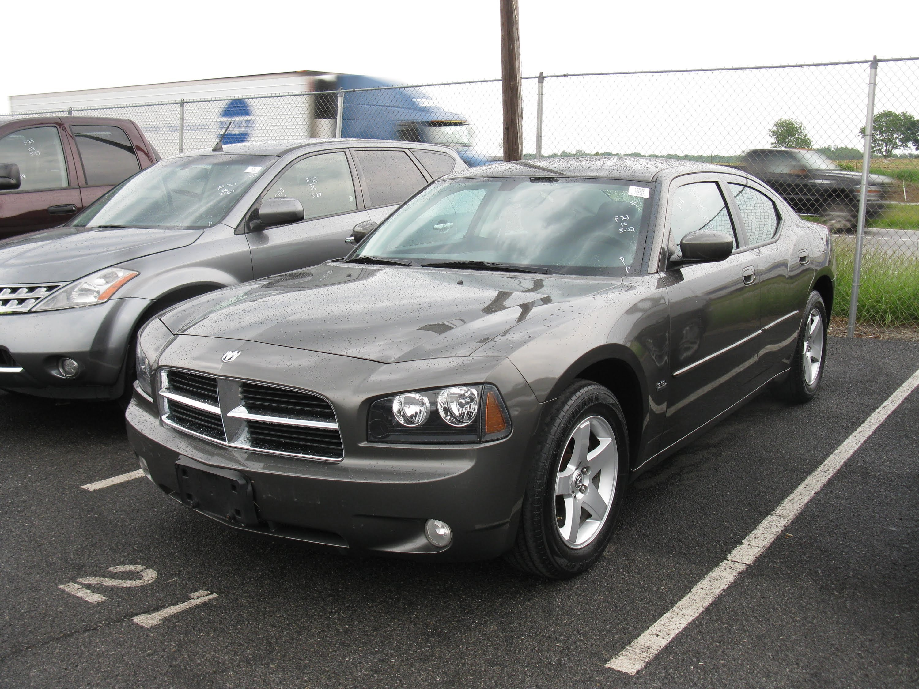 2010 Dodge Charger #16