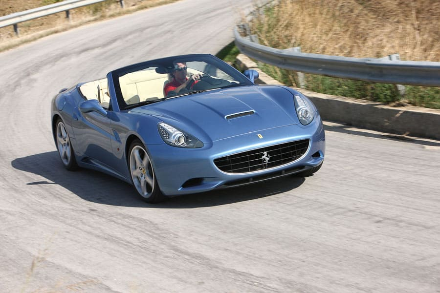 2010 Ferrari California #25