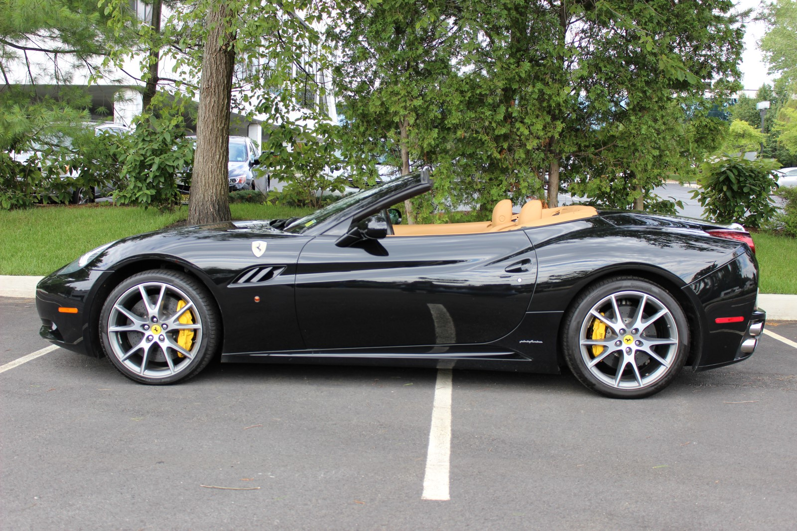 2010 Ferrari California #24