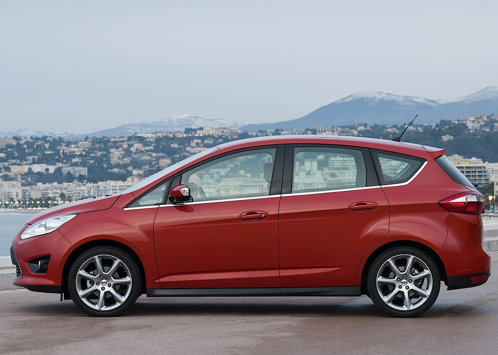 2010 Ford C-Max #26