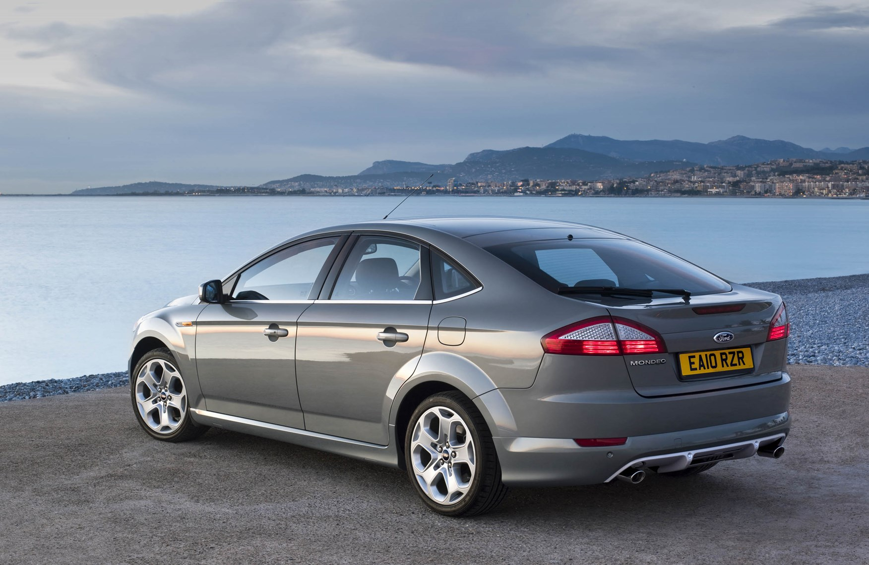 2010 Ford Mondeo #25