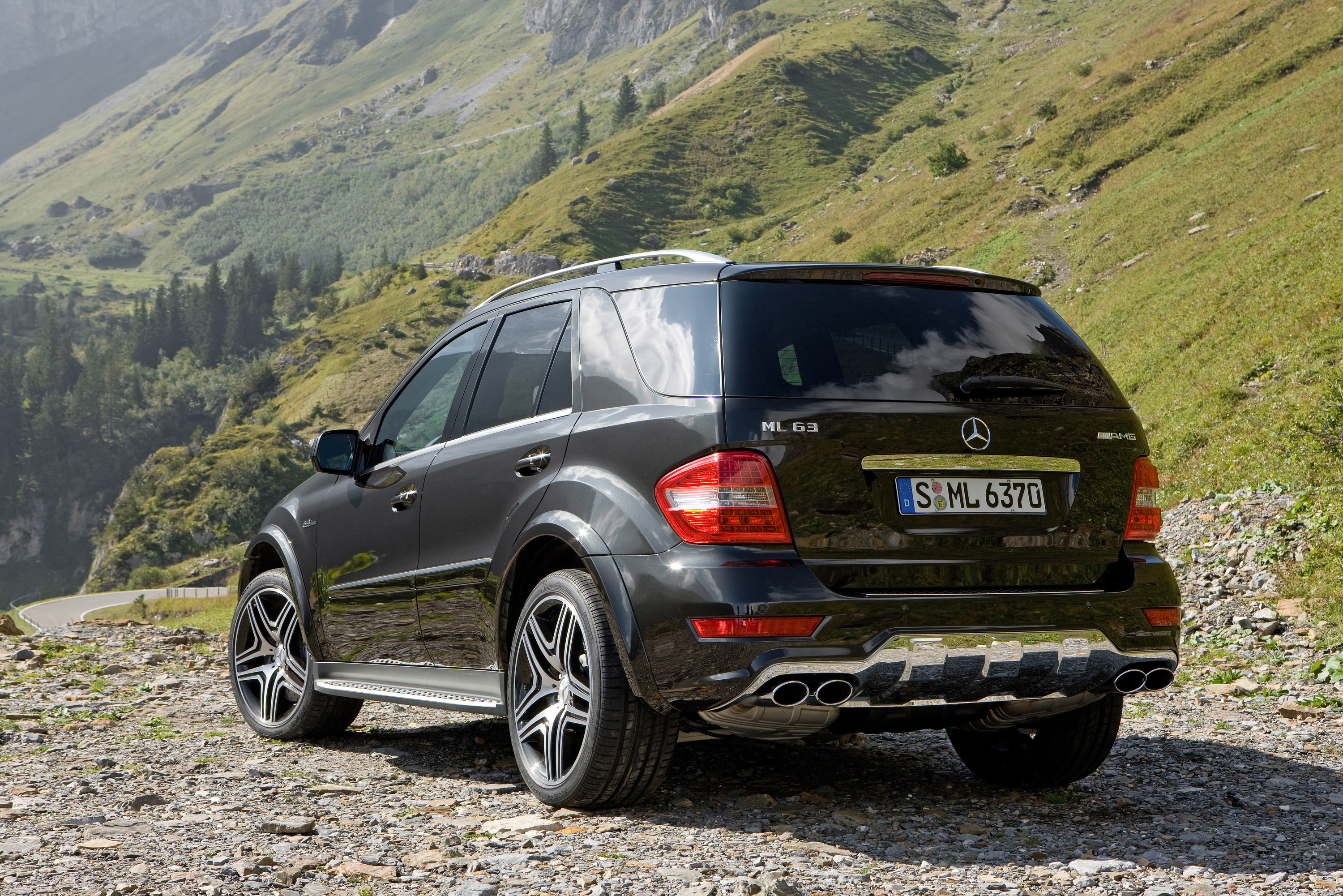 2010 mercedes benz ml photos informations articles. Black Bedroom Furniture Sets. Home Design Ideas