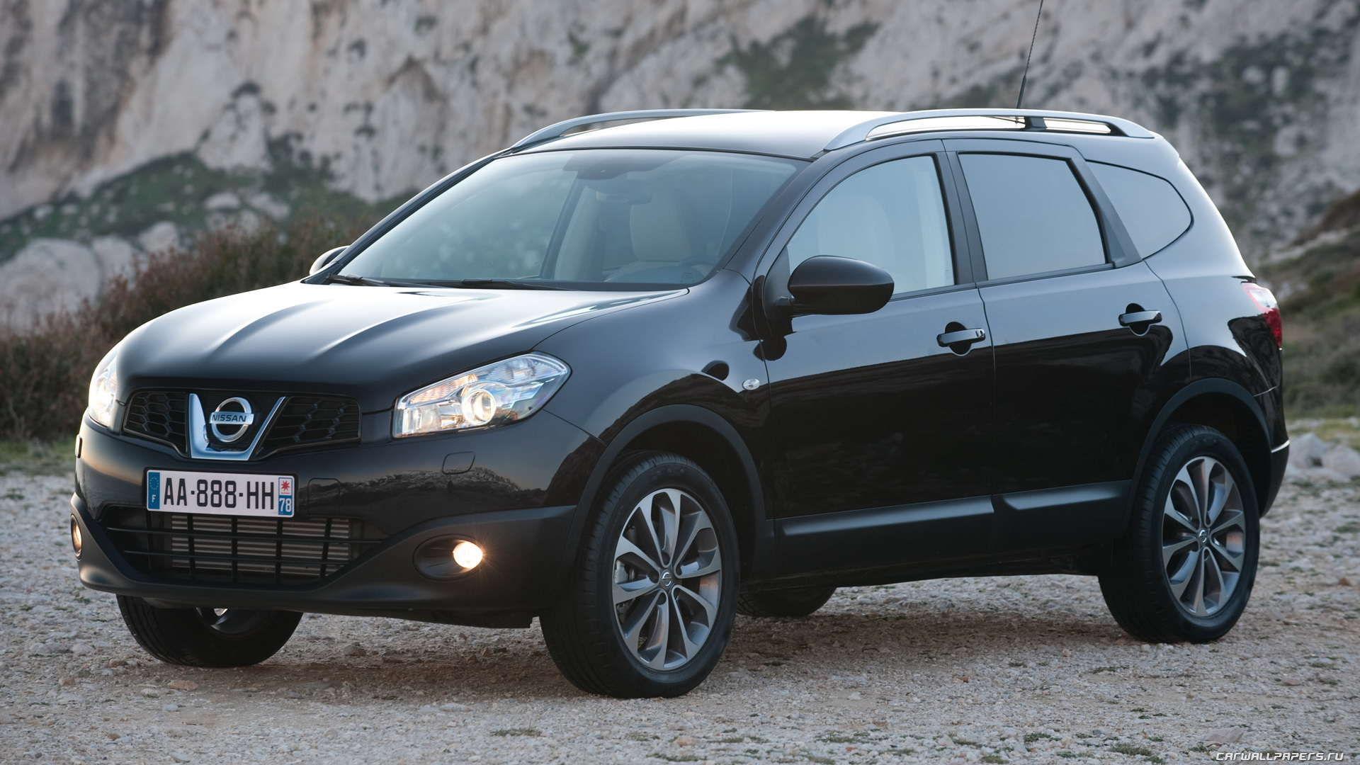 2010 nissan qashqai photos informations articles. Black Bedroom Furniture Sets. Home Design Ideas