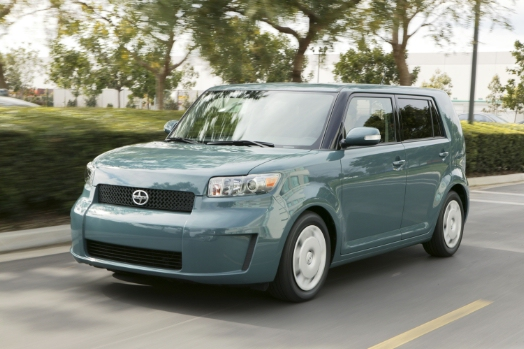 2010 Scion Xb #17