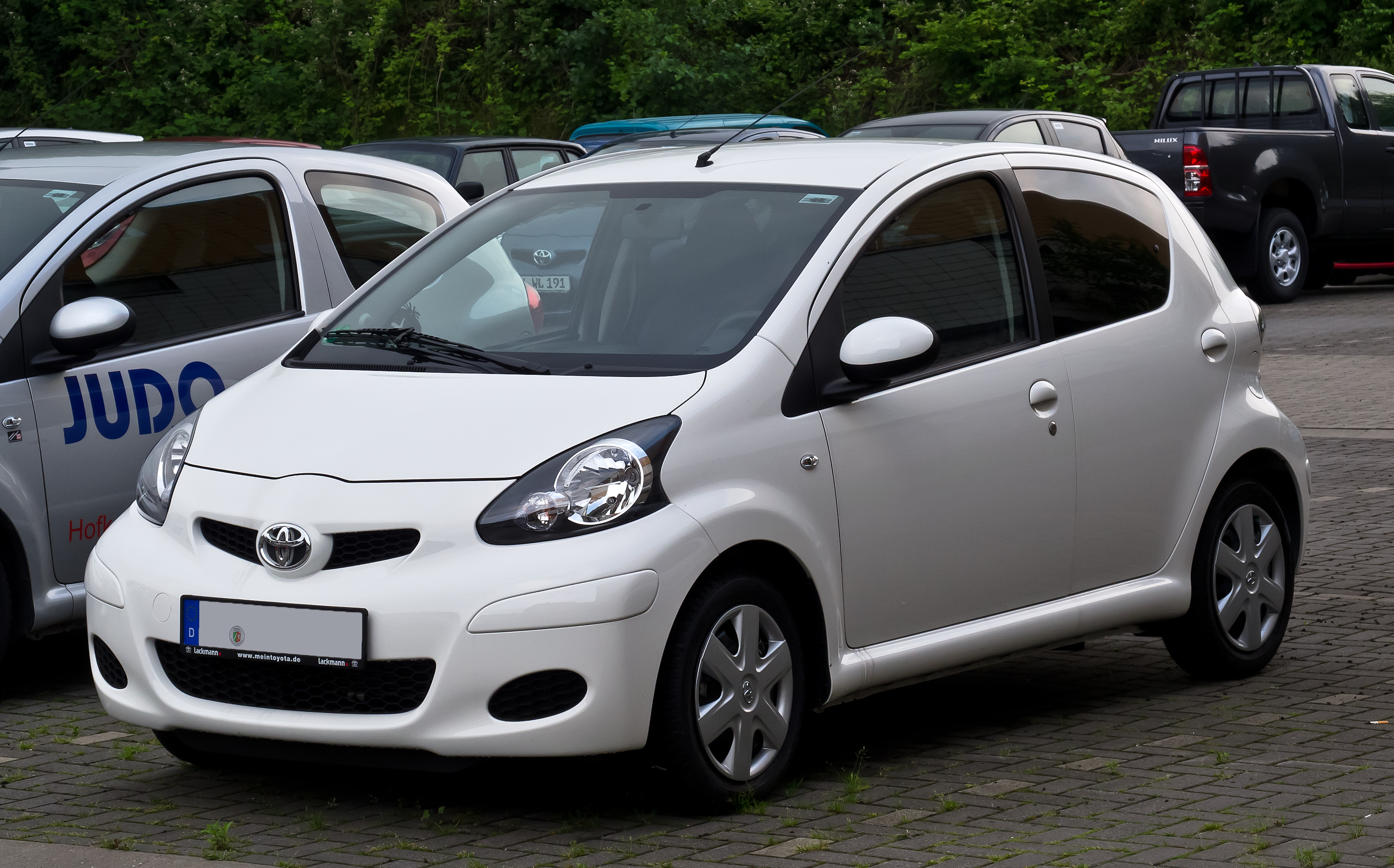 2010 toyota aygo photos informations articles. Black Bedroom Furniture Sets. Home Design Ideas