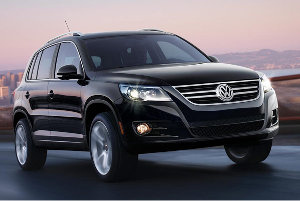 2010 volkswagen tiguan photos informations articles. Black Bedroom Furniture Sets. Home Design Ideas