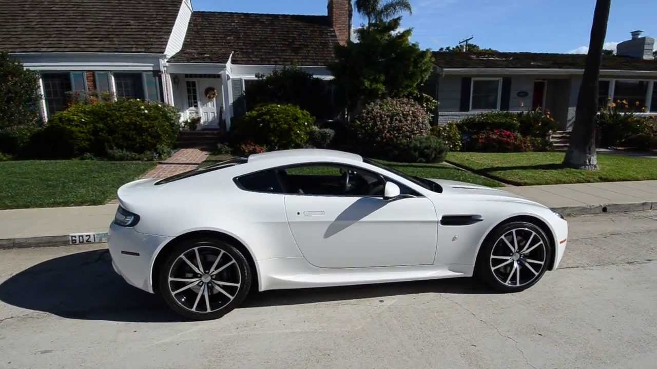 2011 aston martin v8 vantage photos informations articles. Black Bedroom Furniture Sets. Home Design Ideas
