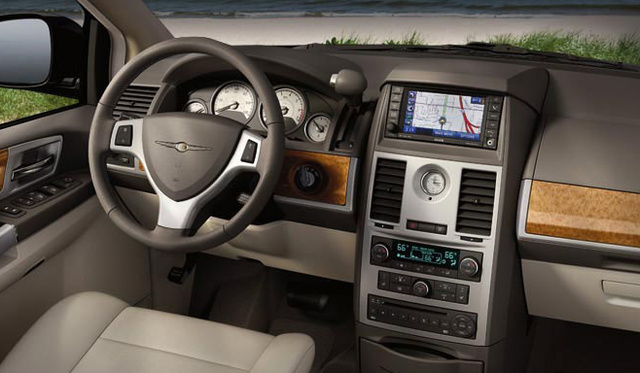 2011 Chrysler Town And Country #23