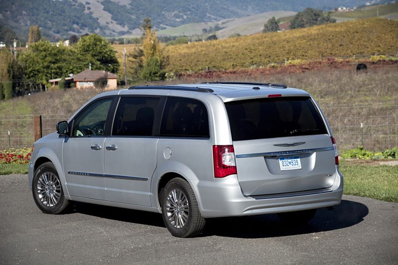 2011 Chrysler Town And Country #20