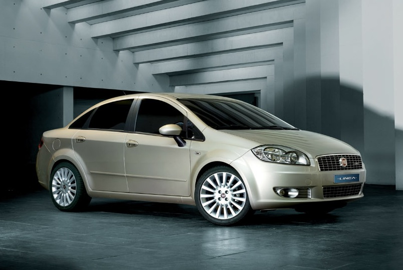 2011 Fiat Linea Photos  Informations  Articles