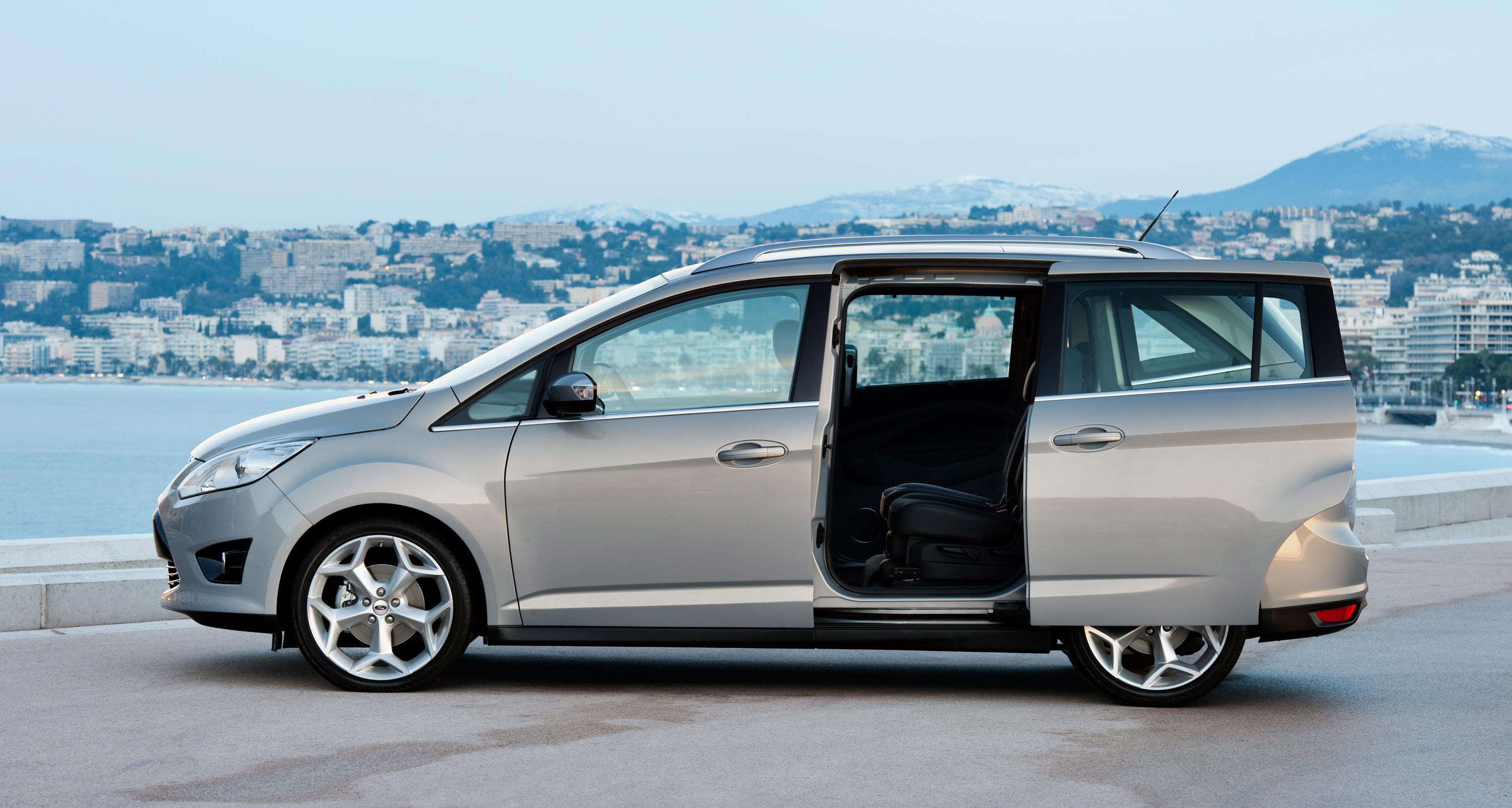 2011 Ford C-Max #21