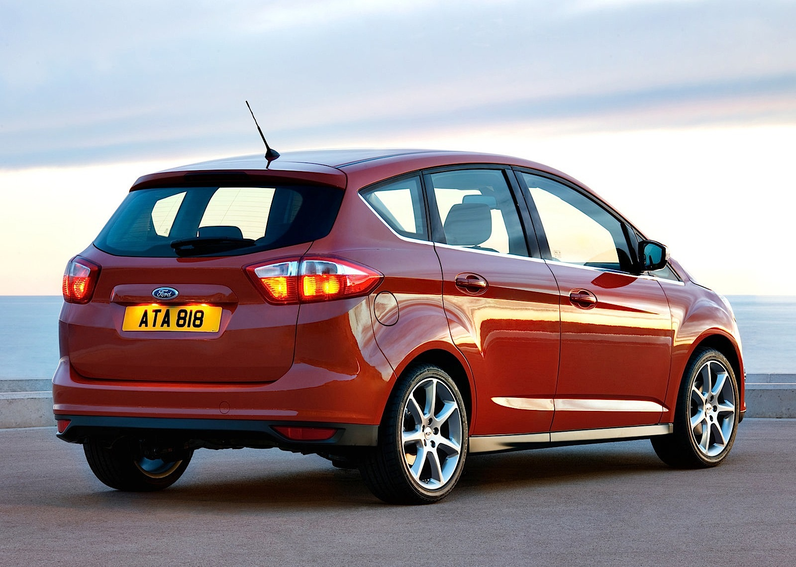 2011 Ford C-Max #18