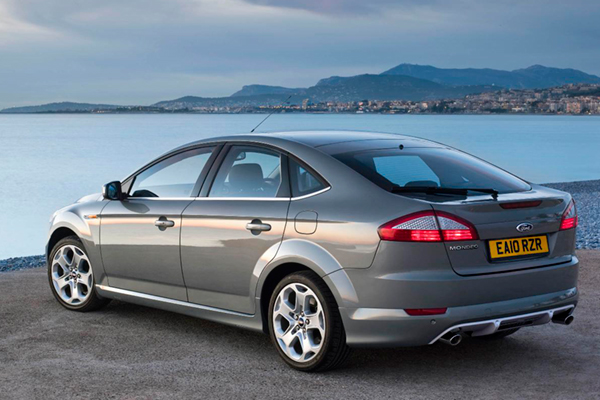 2011 Ford Mondeo #26