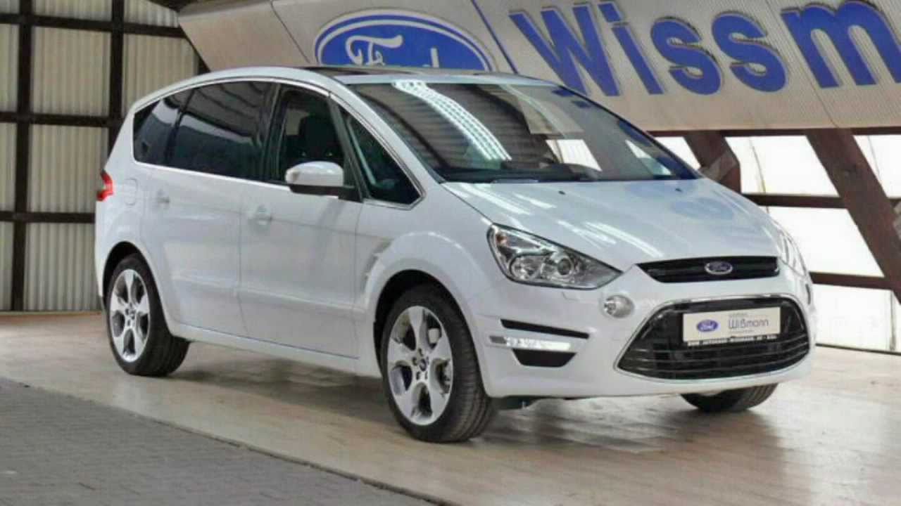 2011 Ford S-Max #18