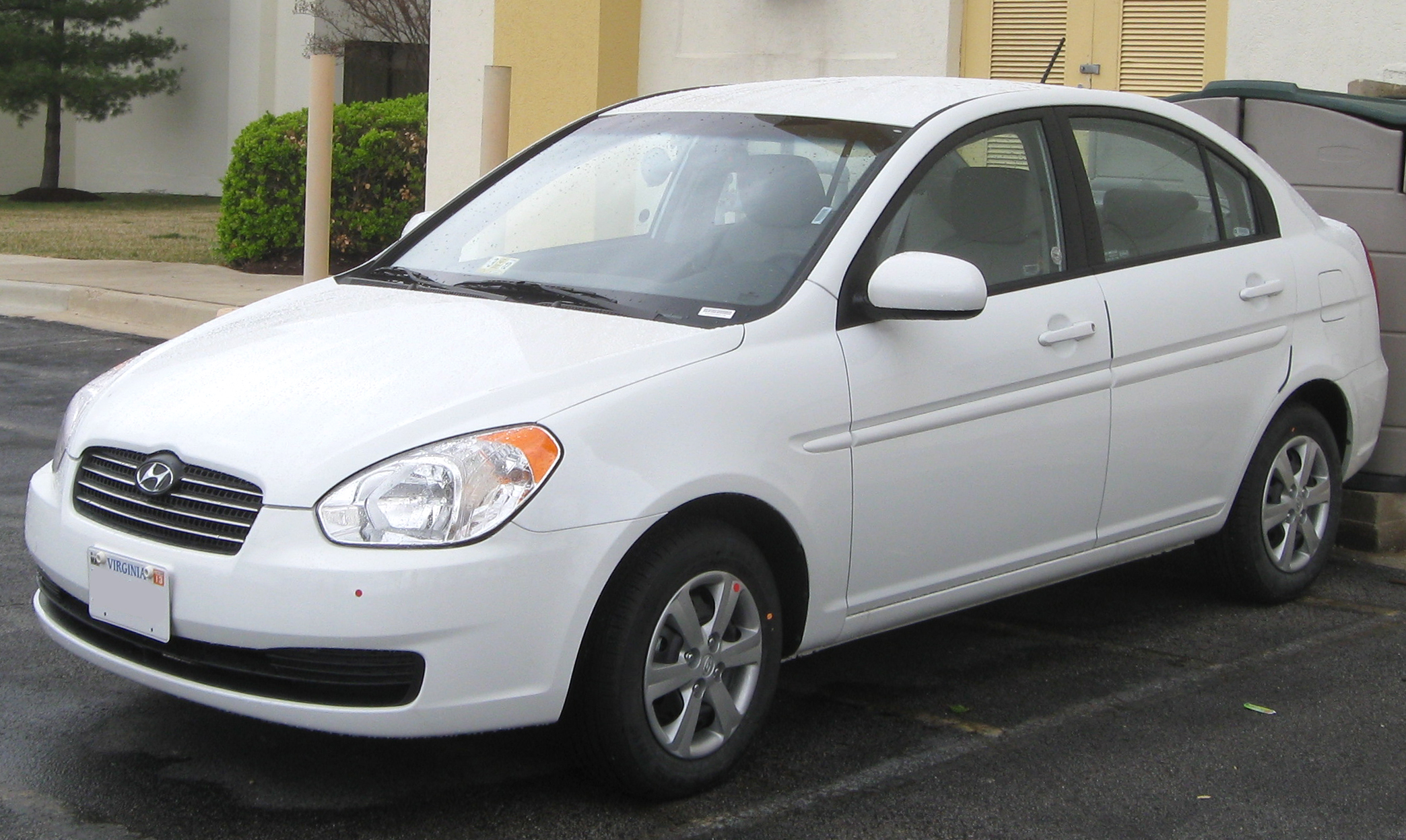 2011 Hyundai Accent Photos Informations Articles