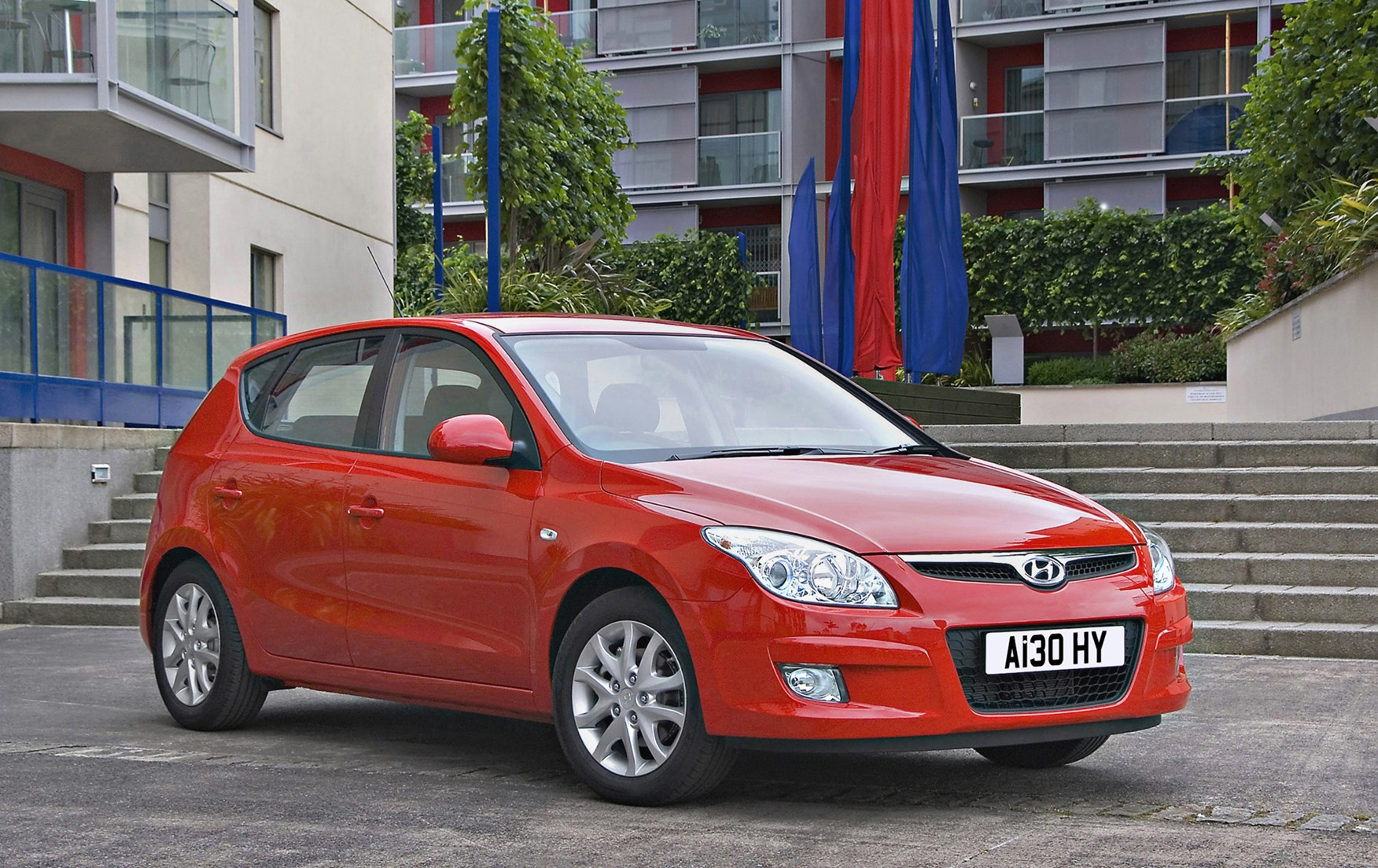 2011 hyundai i30 photos informations articles. Black Bedroom Furniture Sets. Home Design Ideas