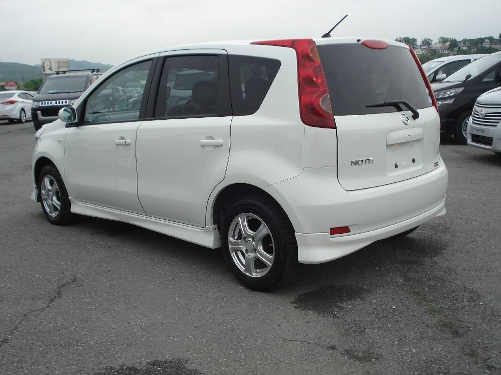 2011 Nissan Note #20