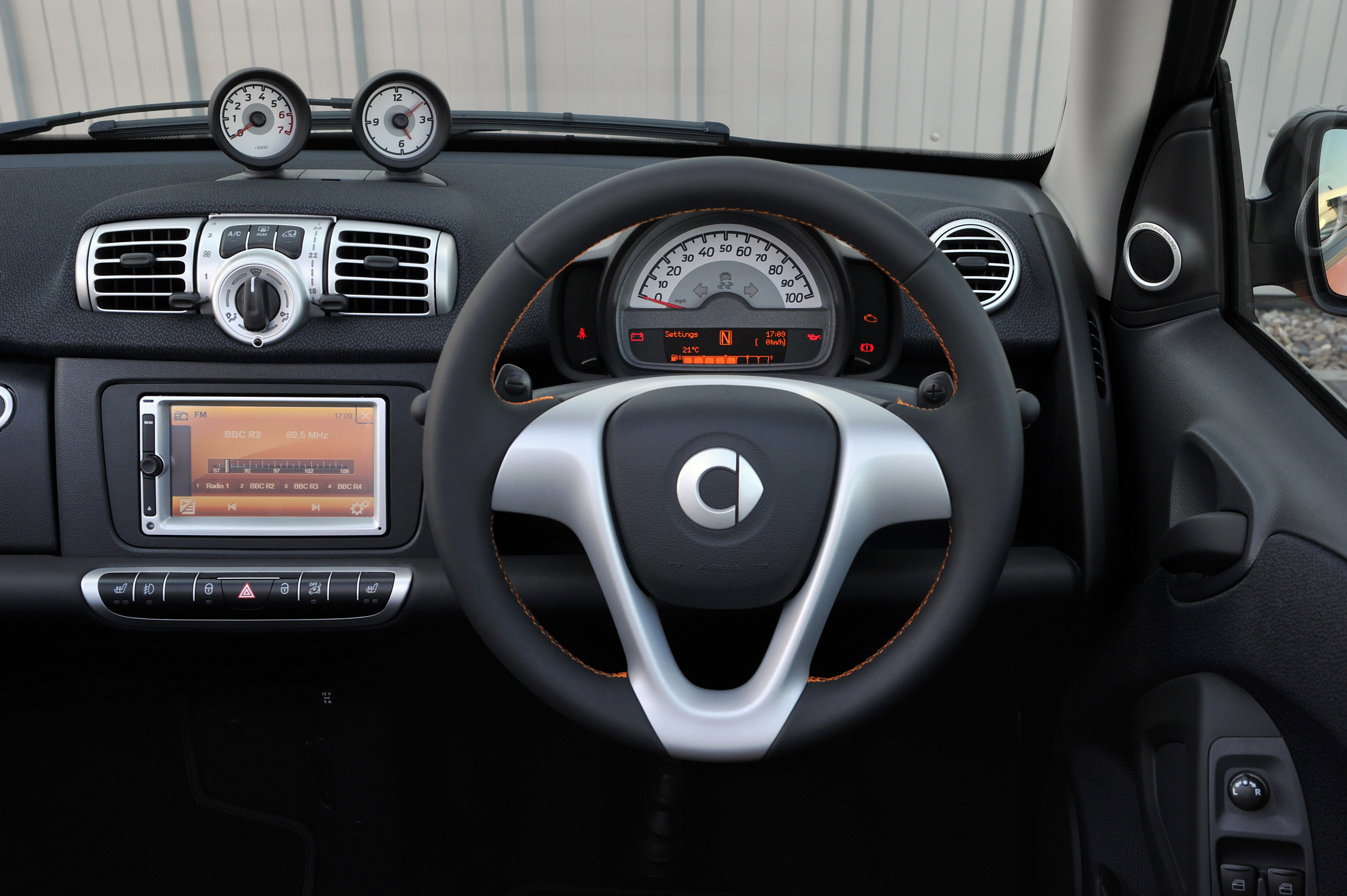 2011 Smart Fortwo #19