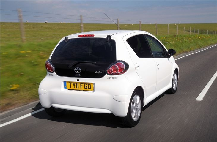 2011 toyota aygo photos informations articles. Black Bedroom Furniture Sets. Home Design Ideas