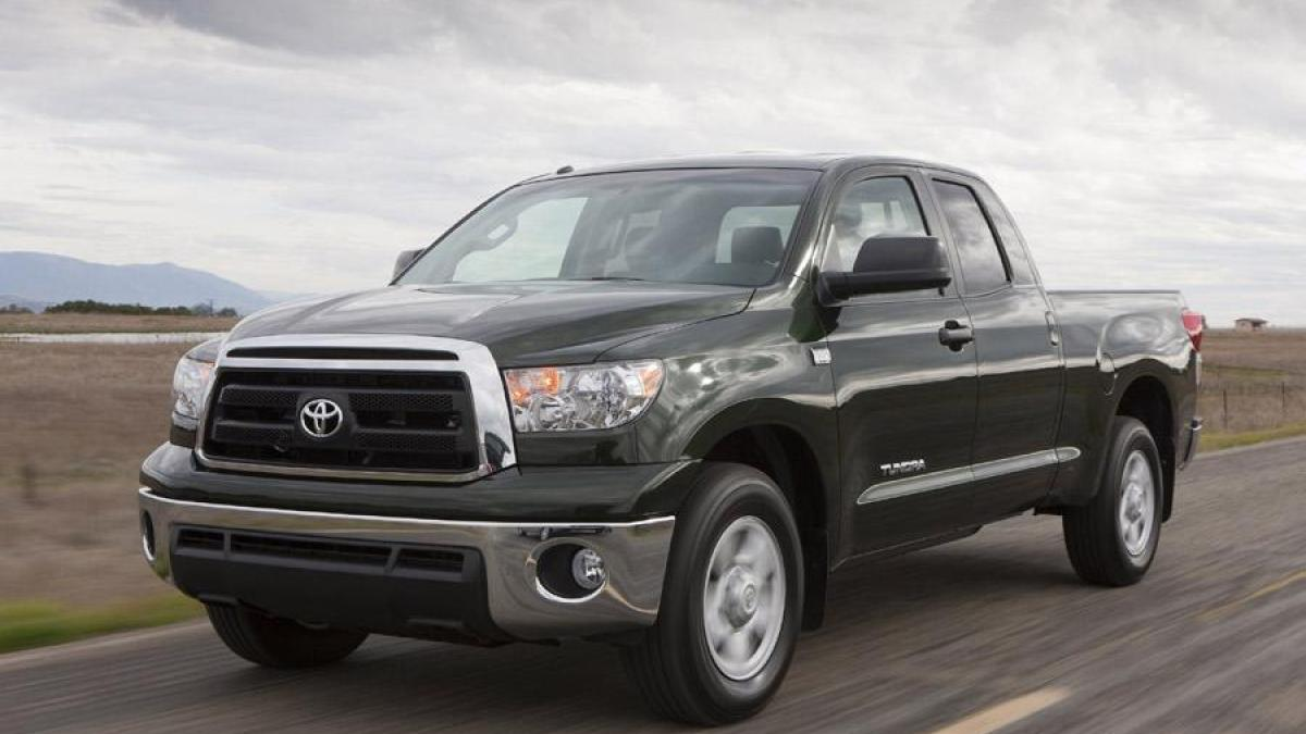 2011 toyota tundra photos informations articles. Black Bedroom Furniture Sets. Home Design Ideas
