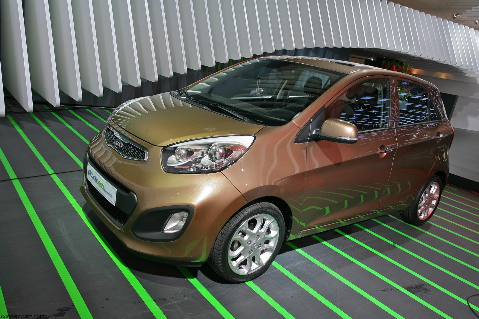 2012 kia picanto photos informations articles. Black Bedroom Furniture Sets. Home Design Ideas
