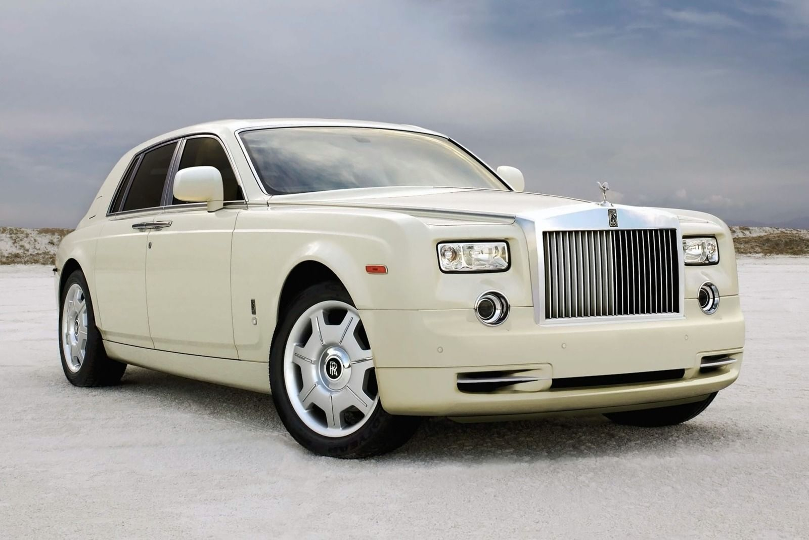 2012 rolls royce ghost photos informations articles. Black Bedroom Furniture Sets. Home Design Ideas