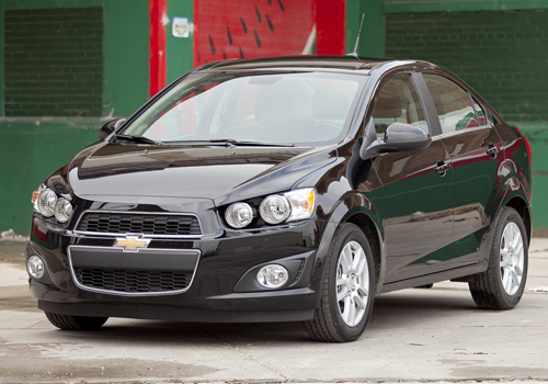 2013 chevrolet sonic photos informations articles. Black Bedroom Furniture Sets. Home Design Ideas