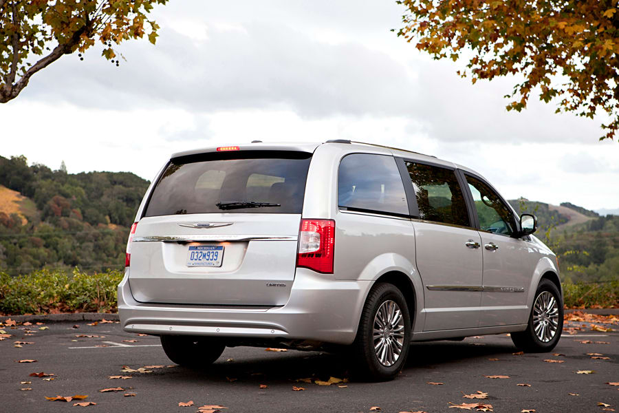 2013 Chrysler Town And Country #18