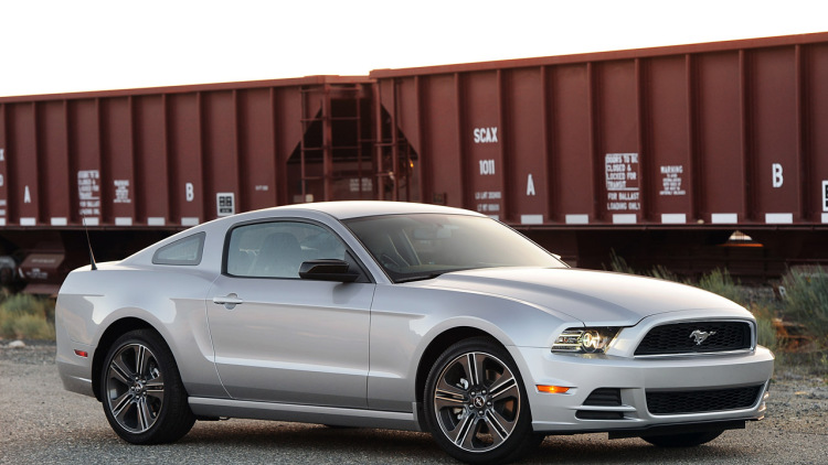 2013 Ford Mustang #24
