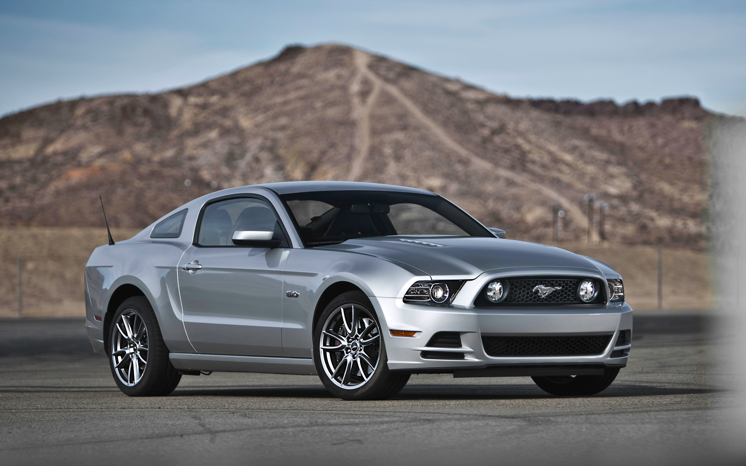 2013 Ford Mustang #18