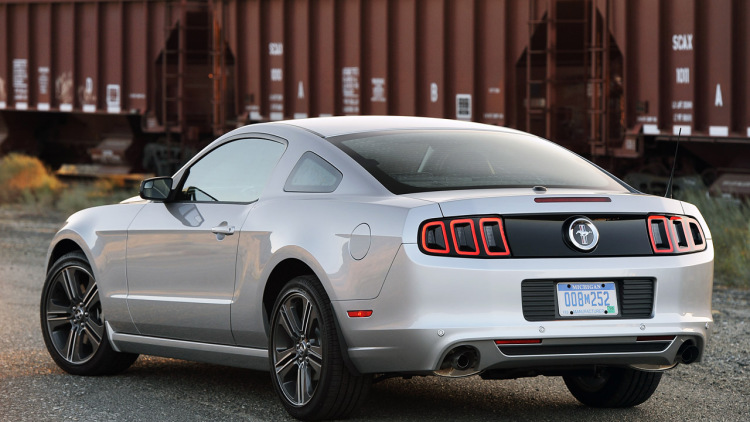 2013 Ford Mustang #23