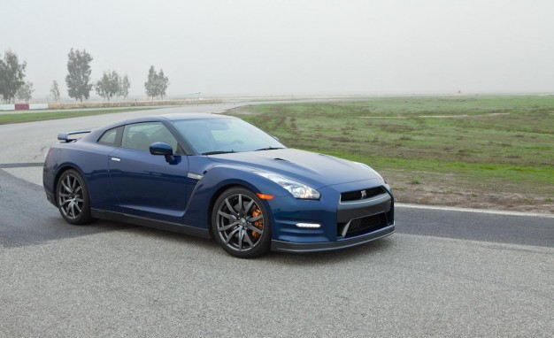 2013 Nissan Gt-r Photos, Informations, Articles - BestCarMag.com